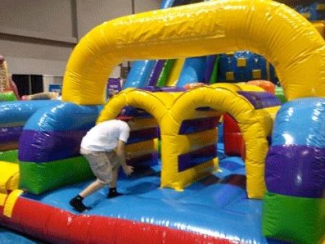 Vertical rush inflatable