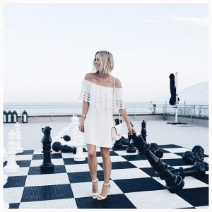 Giant game of chess